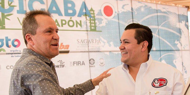 Granjero Feliz nuestra filosofía celebración CICABA primer contenedor de carne de puerco que va a Japón